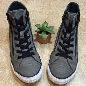 CONVERSE LEATHER ZIPPERED GRAY HIGH TOP SNEAKERS